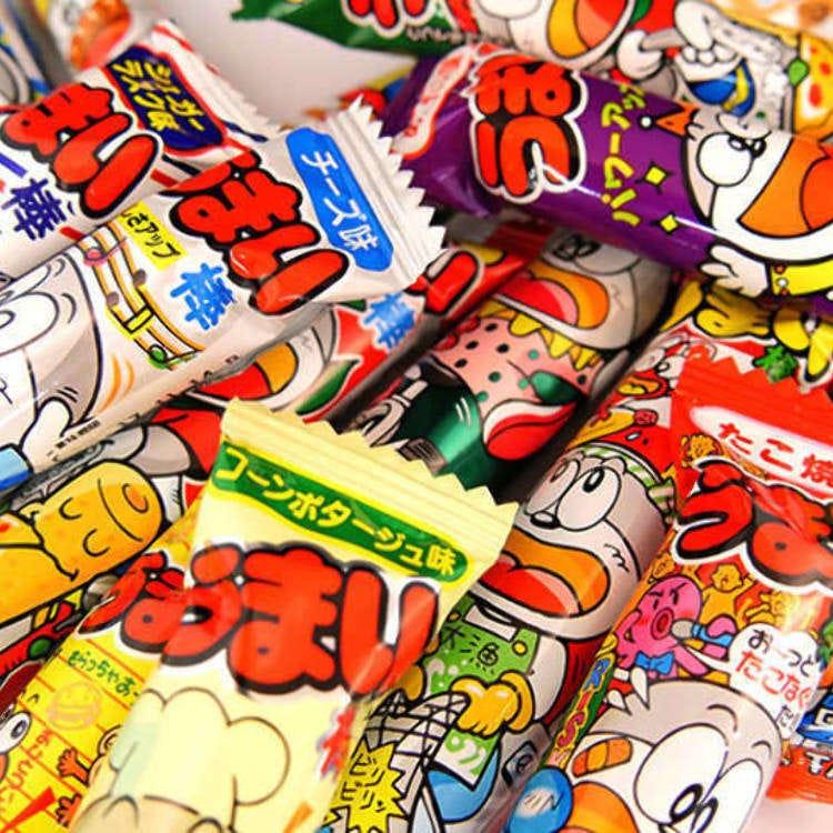 """""""우설에 낫토 맛까지....?!"""" 일본 국민 간식 '우마이봉'시리즈를 시식해 봤다!"""