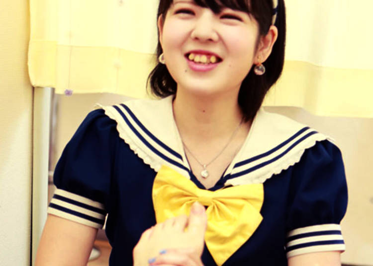 Cutie Relax: Get a Foot Rub from a Japanese Maid!
