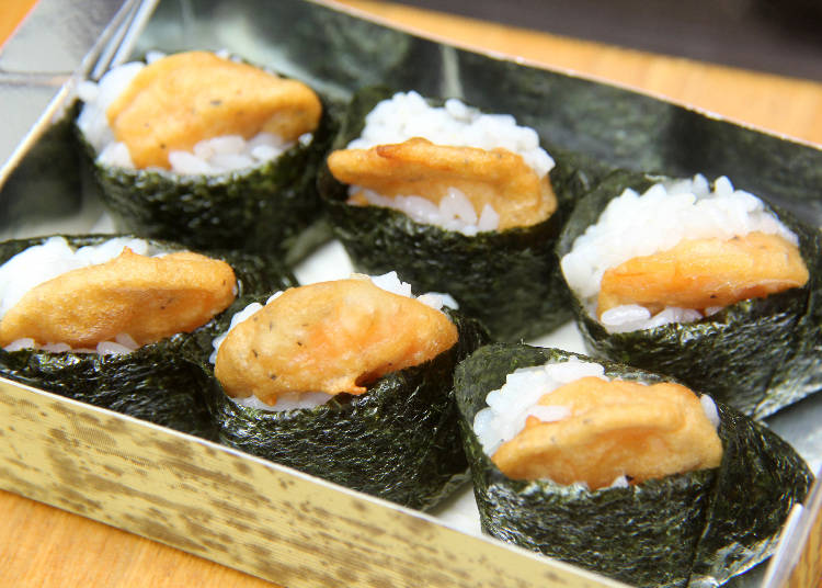 食べ歩きグルメ 5)プリプリのエビ天が旨い! 「鎌倉ハイカラムスビ 天むす家」の天むす