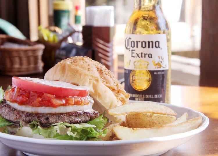4) Venus Café: Take a Break from Japanese Food and Enjoy a Proper Burger!