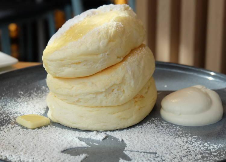 """แพนเค้กที่มีเสน่ห์อยู่ที่ความนุ่มที่เหมือนกับจะละลาย """"MICASADECO&café สาขาJingu-Mae"""""""