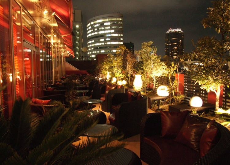 Franzuya: Relax Under Tokyo's Night Sky on an Open Terrace
