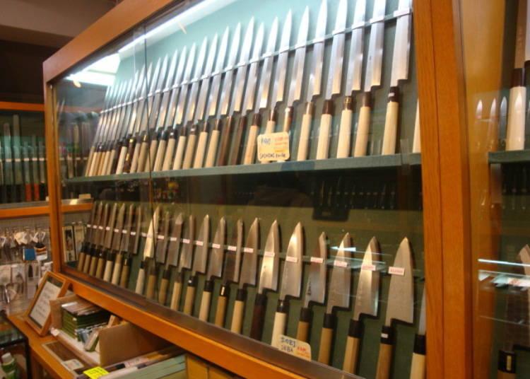 장인이 만든 칼이 800종류 이상! [가마타 하켄샤]
