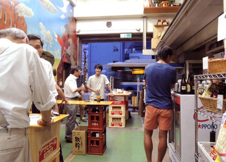 "1. Ueno Yorozuya Shuho: Try the Fun Custom of ""Kaku-Uchi"" - Drinking at a Liquor Store!"