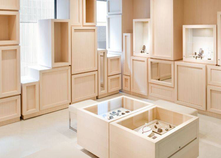 2. Favorite Stone Jewelry GINZA 188: High-Quality Accessories for Reasonable Prices
