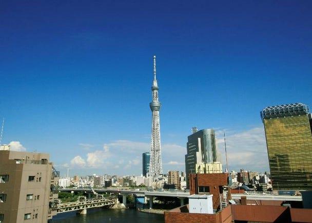 [도쿄 스카이트리 (R)] 를 한 눈에 볼 수 있는 파란 하늘 공간! [아사쿠사 하레테라스]/아사쿠사 EKIMISE