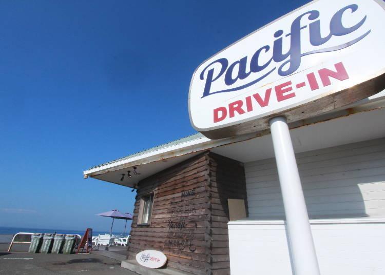 스폿3. 해변의 카페인 퍼시픽 드라이브 인에서 하와이를 느낄 수 있는 아침 & 점심