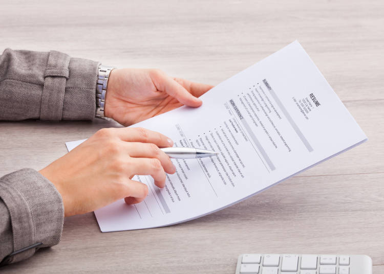 2) Did You Not Check This in Advance...? Japanese Employers Read the Resume During the Interview