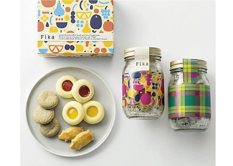 日本では珍しい北欧菓子で個性的な贈り物を。「フィーカ」の「イセタン タータン限定ギフト クッキーアソート」/伊勢丹新宿店