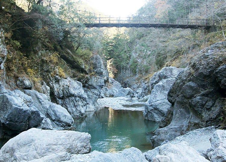 3. Hatonosu Ravine: the Roaring River Below Your Feet