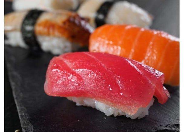超高CP值美食!新宿千元日幣午餐,平價消費高級享受-燒肉、天丼、壽司