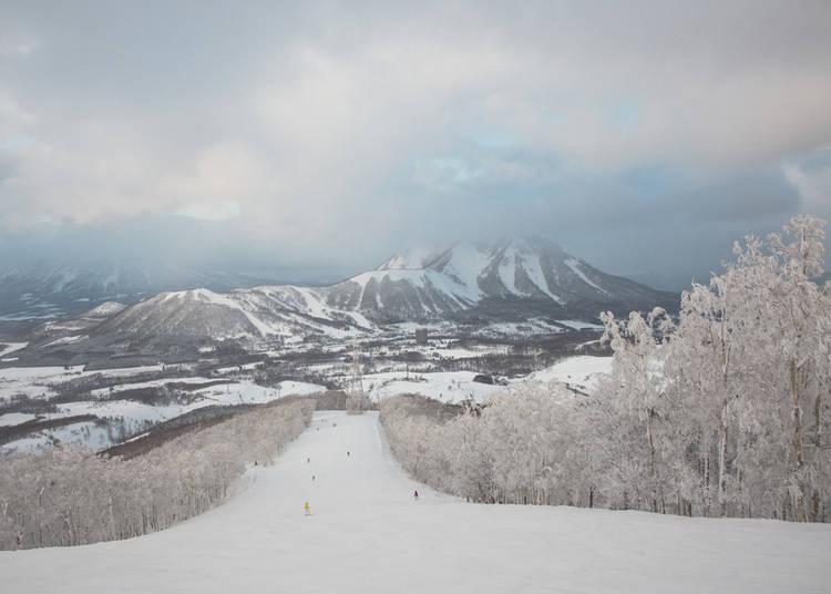 6. Rusutsu Ski Resort (Hokkaido)