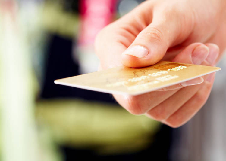 6. Cash - What's a Credit Card?