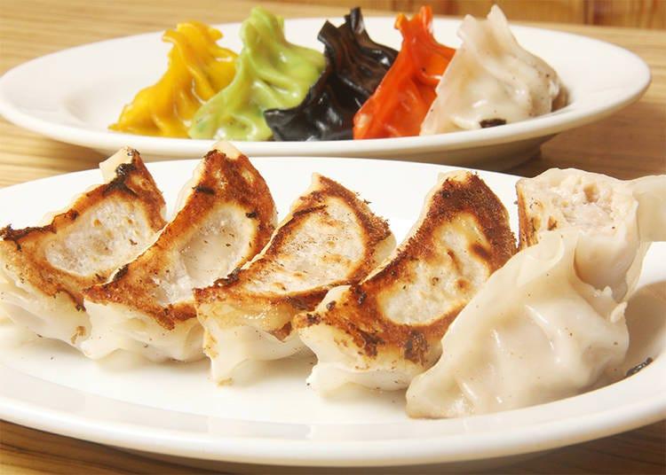 2) Shinjuku Kakekomi Gyoza: Savoring Dumplings and Japan's Izakaya Culture!