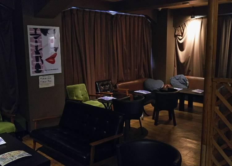 日本では珍しい水タバコを経験できる!『シーシャ カフェ ドバイ 上野』
