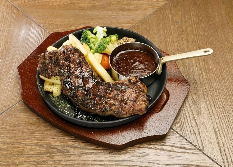 두꺼운 스테이크가 연출하는 맛과 육즙의 온 퍼레이드 / 에즈타지 그릴&비어
