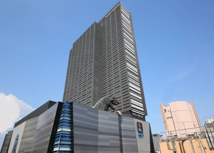 赤木先生推薦清單1「格拉斯麗新宿飯店」 跟實體相同大小的哥吉拉!