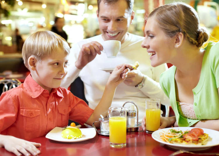 Visiting Japan with kids: Complete guide to family restaurants in Japan!