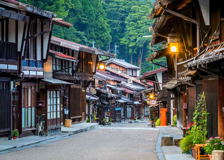 Life in Traditional Japanese Houses – 12 Clever Design Secrets of Homes in Japan!