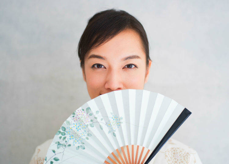5. You can't go wrong with a Japanese folding fan