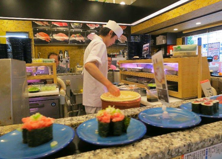 2. Oedo Shinjuku West Entrance: 160 Yen per Plate at a Fantastic Conveyor Belt Sushi Restaurant