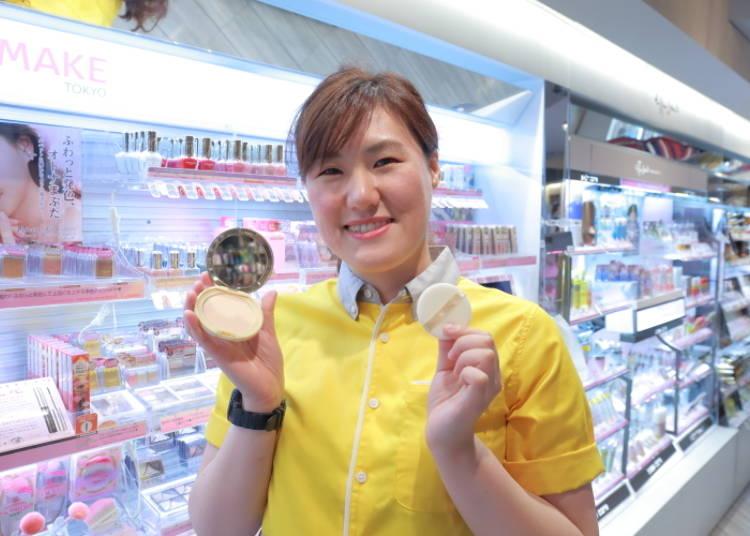 【NO.3】 CP值超高!女性必買的彩妝項目 「CANMAKE 棉花糖蜜粉餅  MO–明亮肌」940日圓