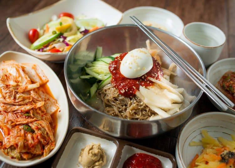 お店に行くと日本のキムチは有料、韓国ではキムチはだいたい無料!