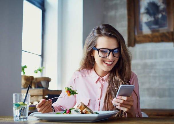 2:一人でレストランやカフェに入りやすい雰囲気を作ってくれている