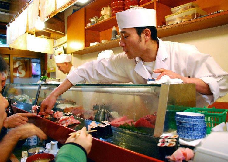 正確的壽司吃法是?用手拿著吃or用筷子夾著吃?