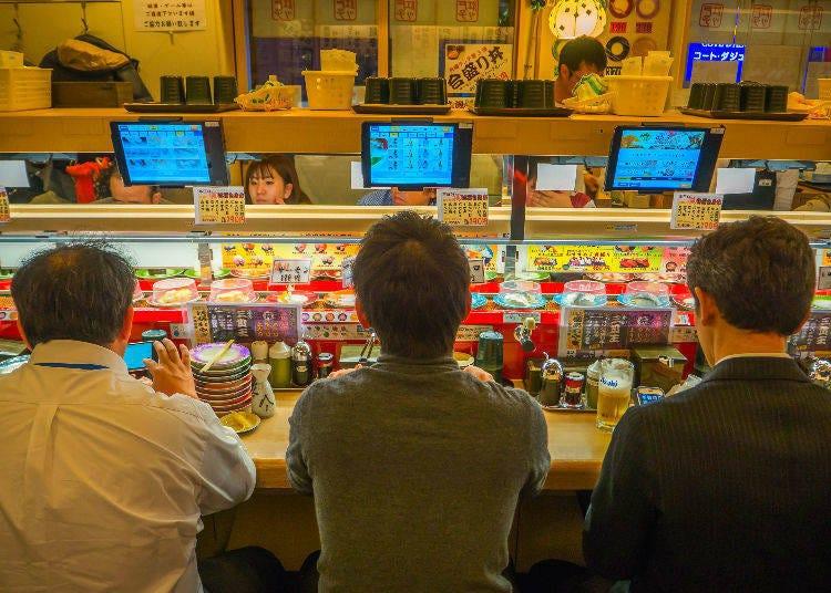 正確的壽司吃法:一口塞進去?分兩口吃?