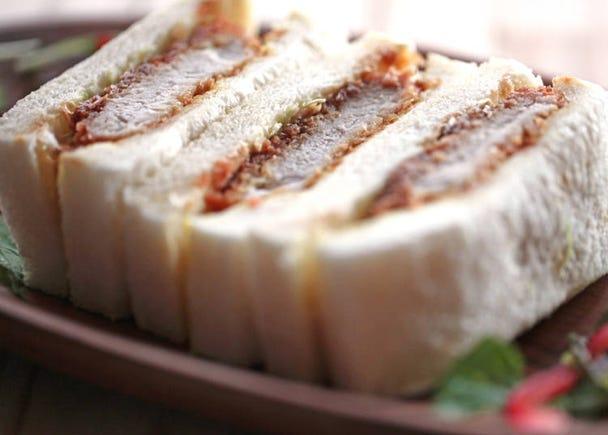 【衝撃を受けた日本のパン④】/カツサンド
