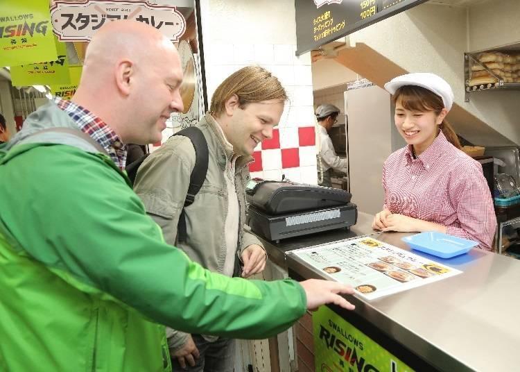 일본의 야구장에서 판매하는 음식은 과연 무엇이 있을까?