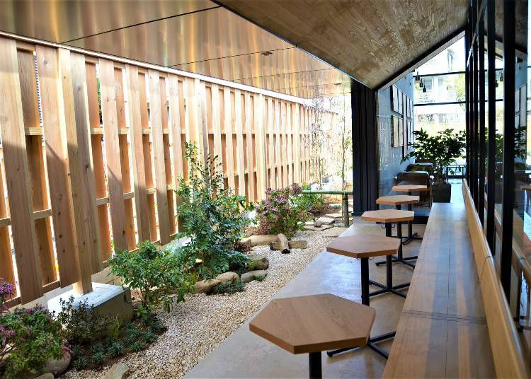 """Modern Japan"" – Kawagoe's Starbucks Marries Traditional Japan!"