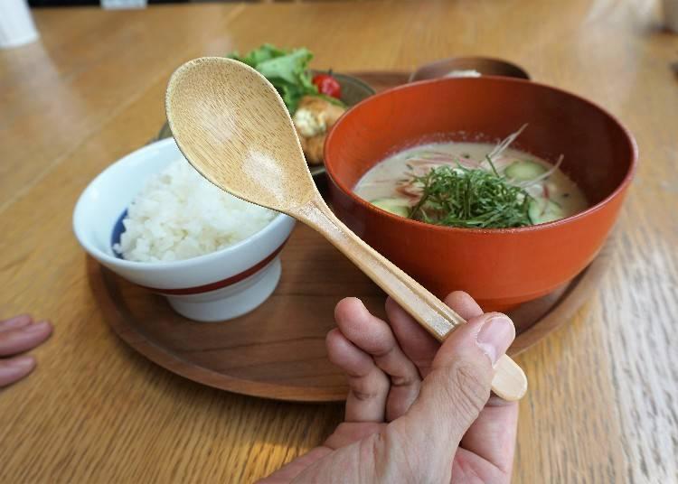 當季食材以及來自日本各地的高品質餐具