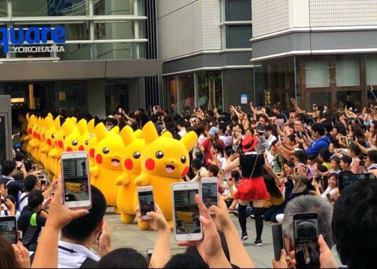 Highlight 1: Cute Pikachus Wandering Around Yohokama and the World's First Eevee Parade!