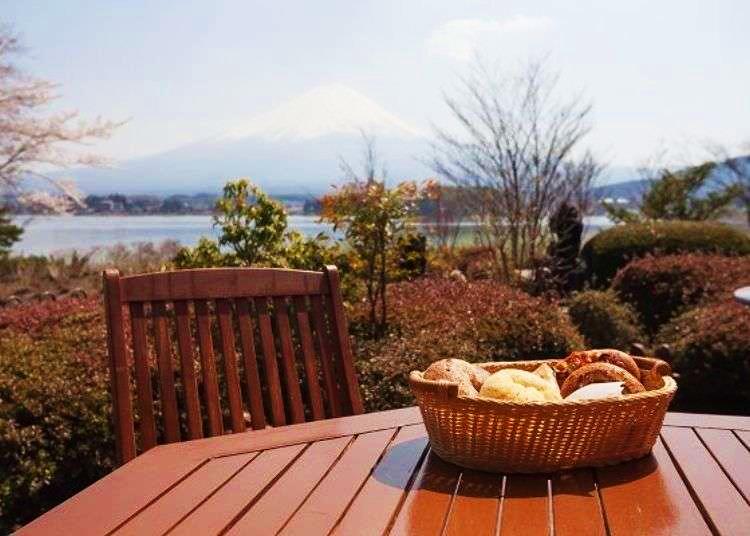 Incredible Views of Japan's Tallest Mountain: Kawaguchiko Cafes with Breathtaking Views of Mt. Fuji!
