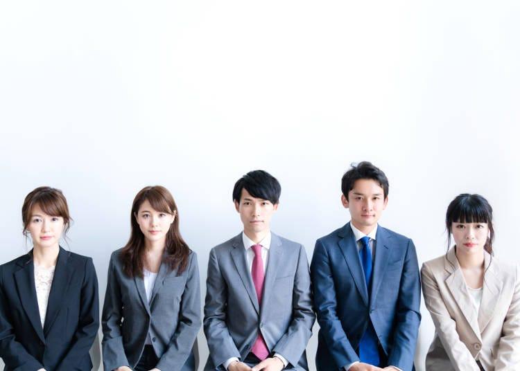 日本人在面試時都不展現自己的個性?放眼望去大家的穿著都是複製貼上
