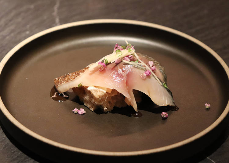 ■ The Original Sushi-like Tartine Goes Excellently Well with Japanese Sake