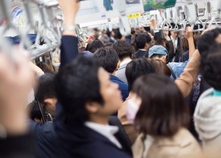 4. 普段優しい日本人が、通勤ラッシュの時だけ別人に!