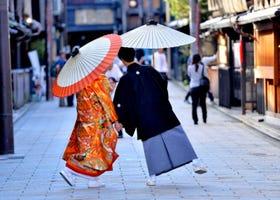 Honeymoon in Tokyo: 5 Perfect Romantic Getaways in Japan!