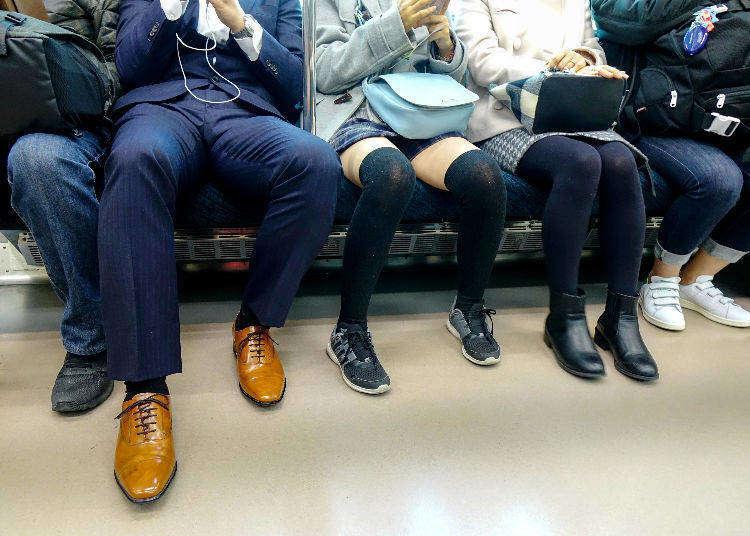 일본 현지인이 느끼는 전철안 민폐 행동 랭킹 BEST5은?