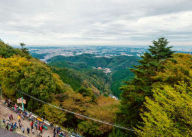 Explore Mount Takao, Tokyo's Cutest Mountain! 1-Day Plan with Hot Springs, Stunning Scenery, and Beer