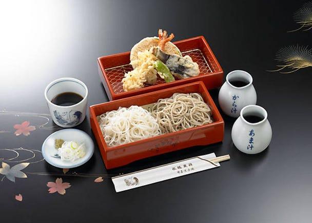 のどごしの良いさまざまなタイプのお蕎麦を楽しめる老舗『永坂更科布屋太兵衛』