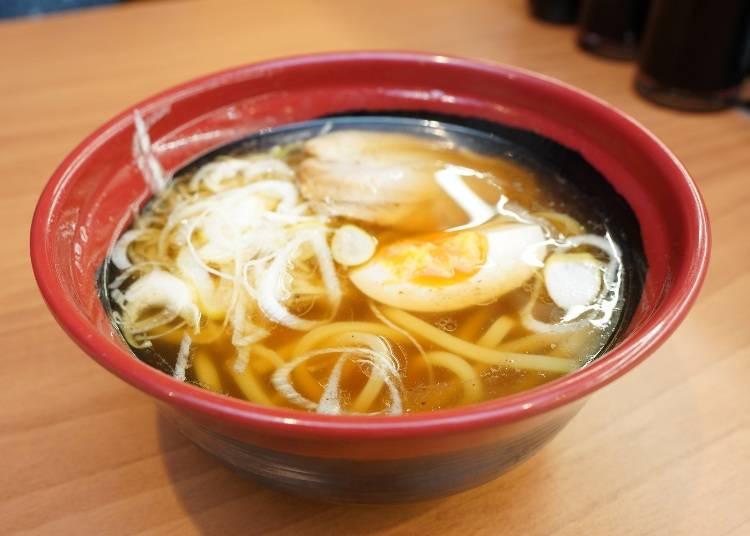 おすすめサイドメニュー①専門店並みの味!こだわりがつまった「魚介醤油ラーメン」!
