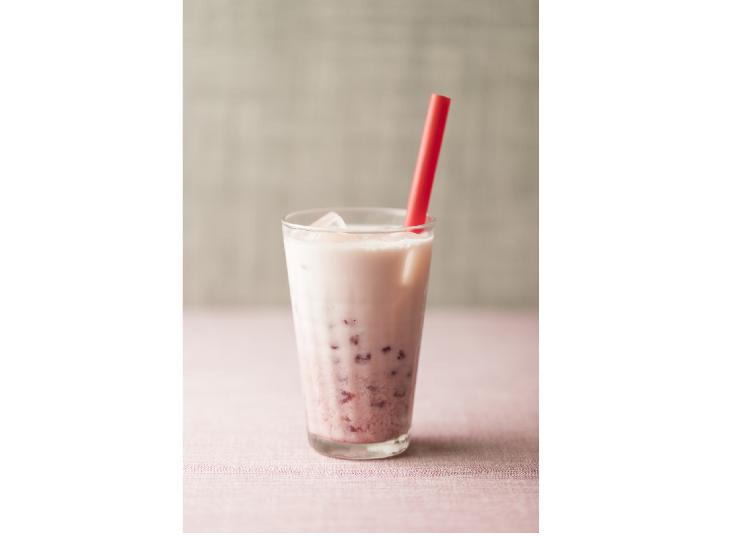 죽과 국수 가게 '가유산칭'의 '타피오카 딸기 우유'