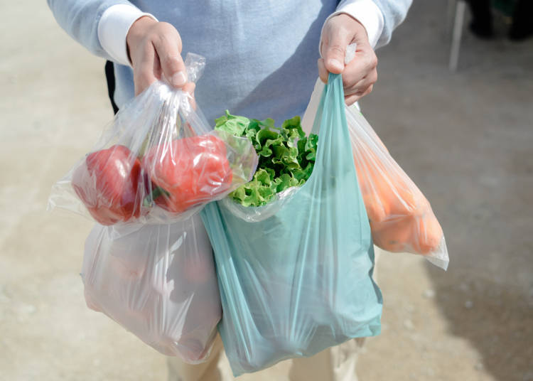 1. Fresh food is placed inside plastic bags during checkout