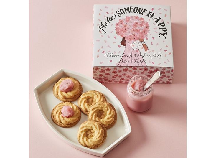 쿠키를 벚꽃 색깔로 물들여 즐기는 '플라워 쿠키 & 사쿠라 밀크앙'