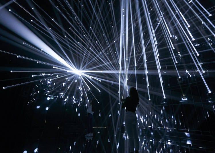 """光线的强大能量和炫酷的表演带来的绝美效果令人屏息感叹!/""""因人蒸发的光线""""(Light Evaporating with People)"""