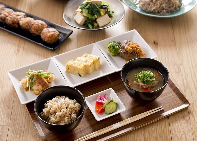 一早就能品尝到清爽的正统日式料理「FLUX CAFE」