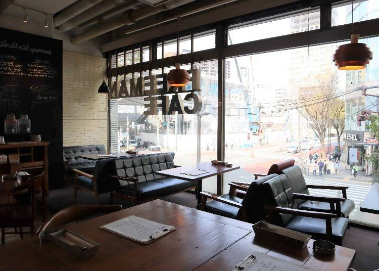 FREEMAN CAFE: Perfect for the solo businessperson and groups of visitors